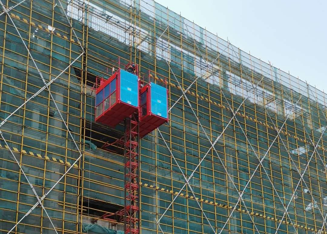 Rack & Pinion Construction Site Hoist / Heavy Duty Construction Material Lift